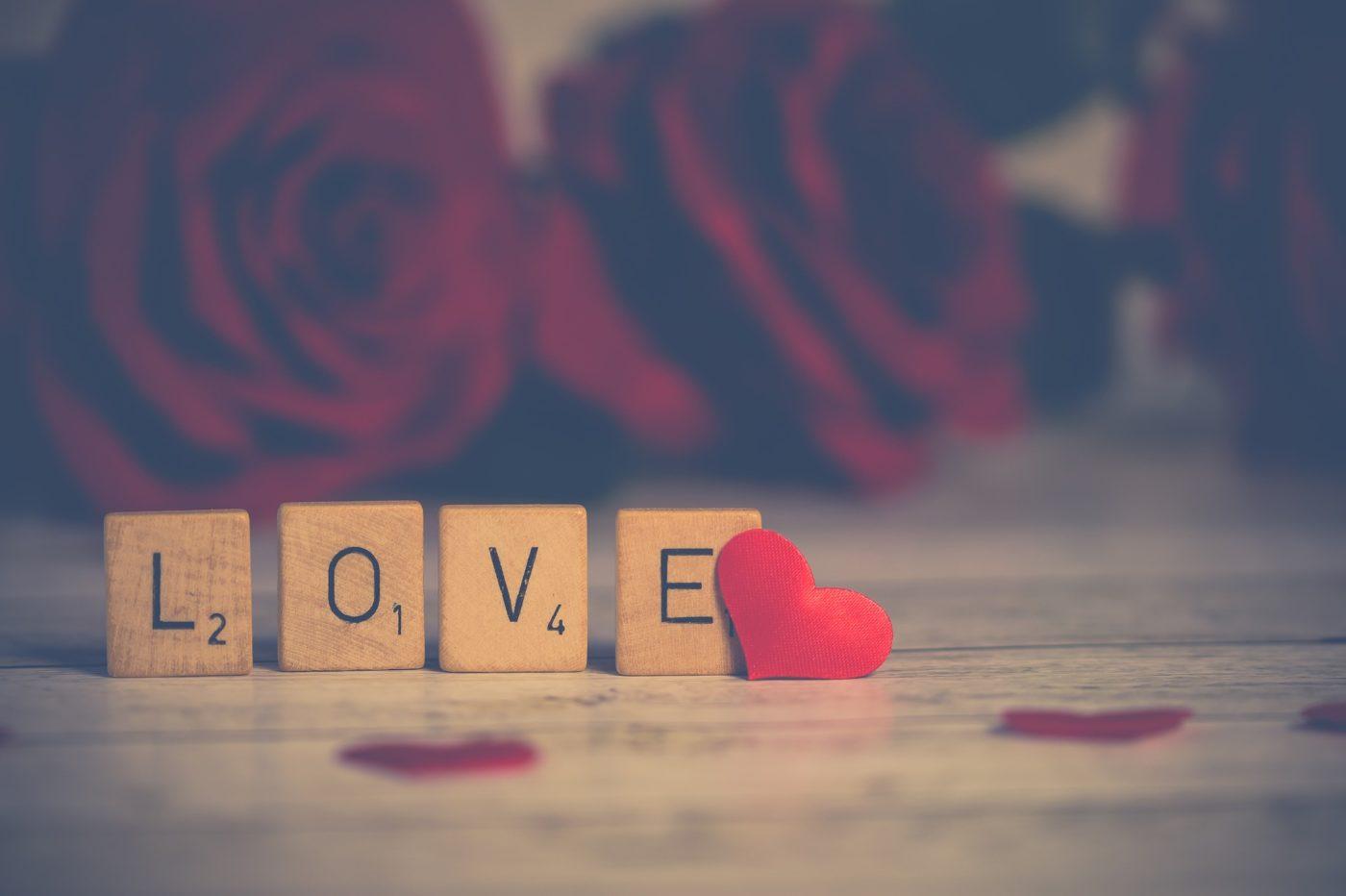 Ein Wort zwischen lieb haben und lieben
